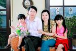 ANH_GIA_DINH__THANG_5__2011.jpg