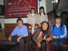 Tham_va_tang_qua_cac_ba_me_VN_anh_hung_xuan_2012_19.jpg